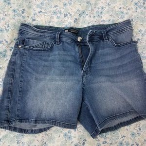Cute Lee Shorts - Midrise